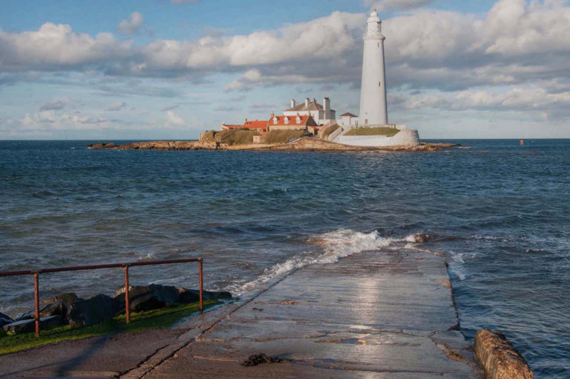 A photo of 'St Mary's Lighthouse' by R Jacques